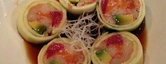 Roppongi Japanese Steak & Sushi is one of Extranjia.