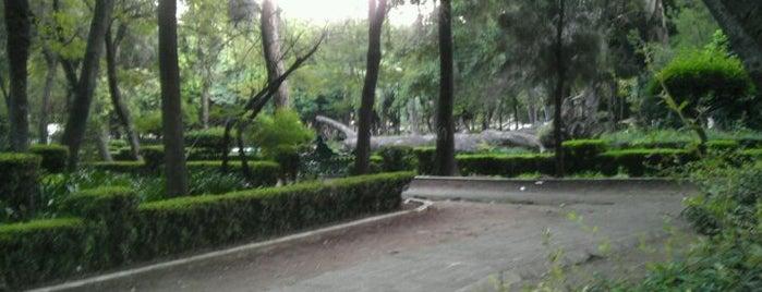 Jardín Ramón López Velarde is one of en la roma....