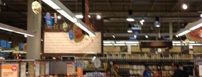 Whole Foods Market is one of Locais curtidos por Emily.