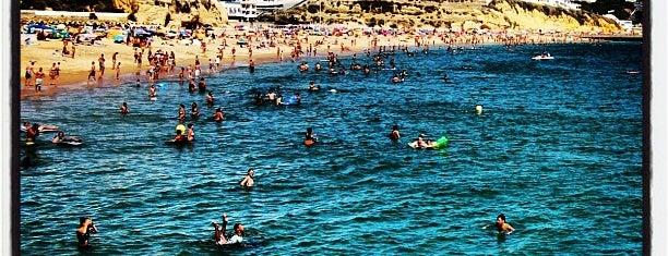 Praia da Oura is one of Jiordanaさんのお気に入りスポット.