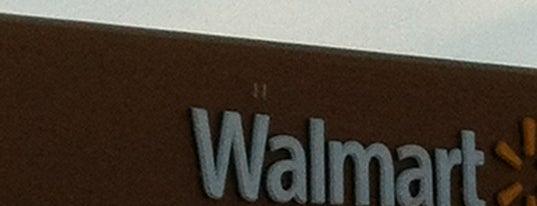 Walmart Supercenter is one of Tempat yang Disukai Trey.