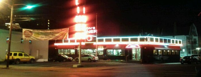 Don's Diner is one of Locais curtidos por Tyrell.