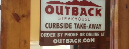 Outback Steakhouse -- CLOSED is one of Lugares favoritos de Rob.