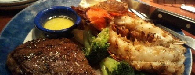 Red Lobster is one of Must Visit Restaurants in Chicago.