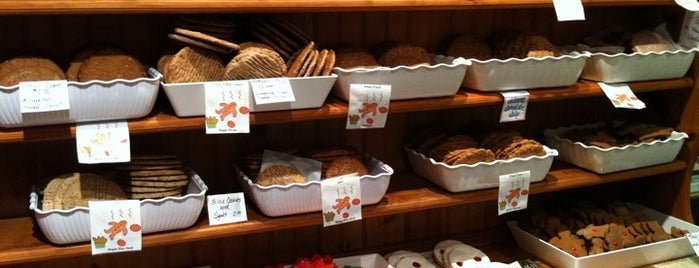Trillium Bakery is one of Anne-Sophieさんの保存済みスポット.