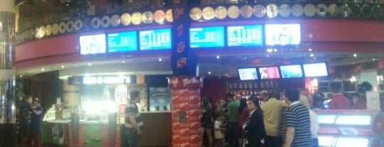 Movies @ Dundrum is one of Lieux qui ont plu à Paul.