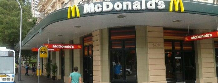 McDonald's is one of Posti che sono piaciuti a G.