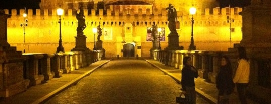 Castel Sant'Angelo is one of Roma.