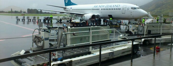 Queenstown Airport (ZQN) is one of Locais curtidos por Alan.