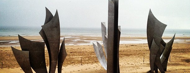 Omaha Beach is one of Normandië.