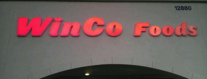 WinCo Foods is one of Tempat yang Disukai Jesse.