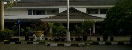 Terminal Leuwipanjang is one of Bandung Tourism: Parijs Van Java.