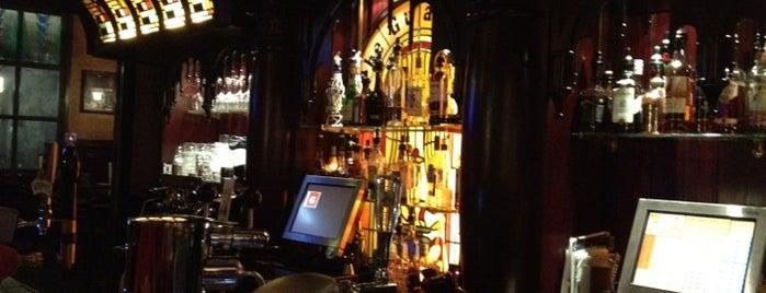 The Guardian Pub is one of Lugares favoritos de Petri.