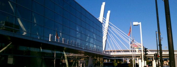 Milwaukee Intermodal Station (MKE) is one of Chicago Milwaukee.