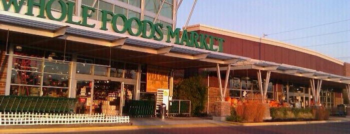 Whole Foods Market is one of Enrique'nin Beğendiği Mekanlar.