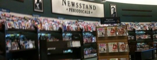 Barnes & Noble is one of Posti che sono piaciuti a Ted.