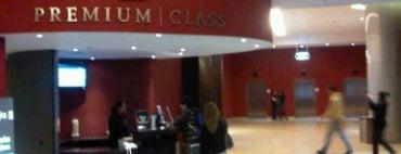 Hoyts Premium Class is one of Cines de la Argentina.