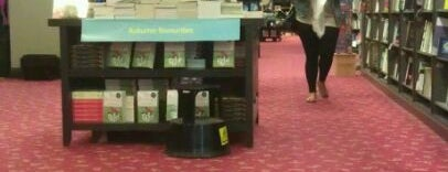 Waterstones is one of Locais curtidos por Alejandro.