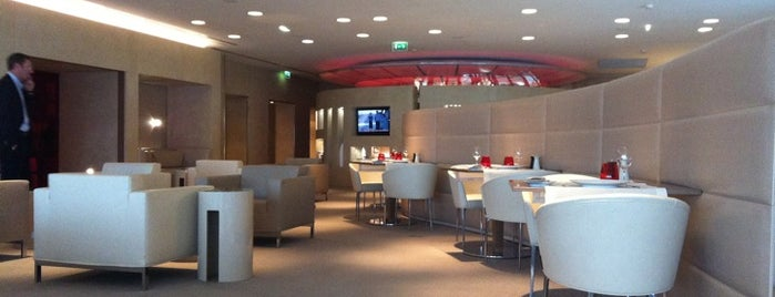Air France Lounge is one of Locais curtidos por Marcia.
