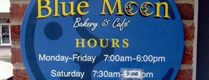 Blue Moon Bakery & Cafe is one of สถานที่ที่บันทึกไว้ของ Jason.