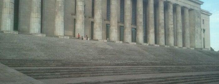 Facultad de Derecho (UBA) is one of Lugares Interesantes.