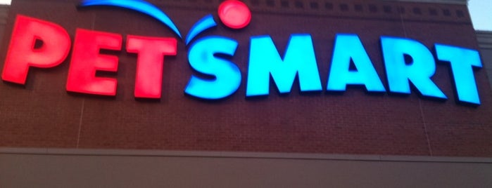 PetSmart is one of Locais curtidos por Kawika.