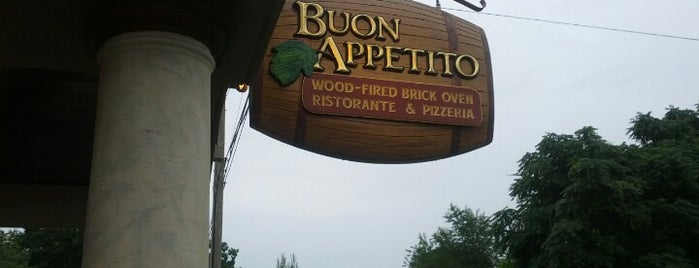 Buon Apetito Ristorante & Pizzeria is one of Benjamin'in Beğendiği Mekanlar.