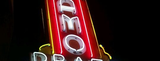 Alamo Drafthouse Cinema is one of Lugares favoritos de Chris.