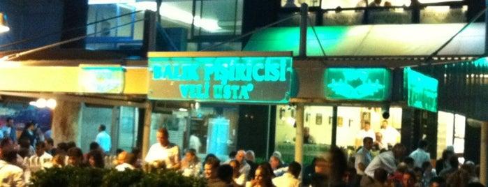 Balık Pişiricisi Veli Usta is one of İzmir Damak Tadı & Chill.