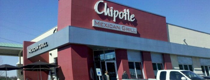 Chipotle Mexican Grill is one of Lugares favoritos de Krystal.