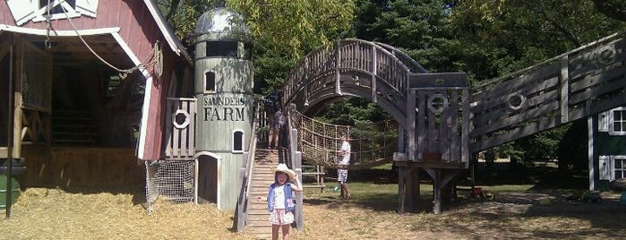 Saunders Farm is one of Fun.