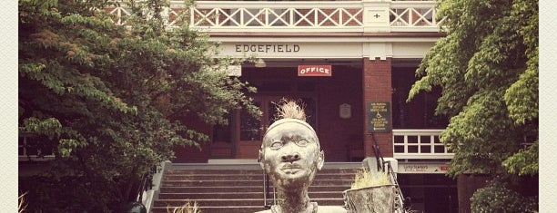 McMenamins Edgefield is one of kristyさんのお気に入りスポット.