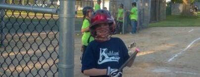 Kirkland Softball Fields is one of Locais curtidos por Mike.