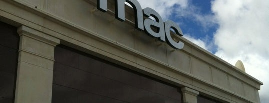Fnac is one of Majadahonda.