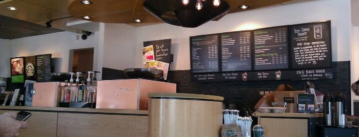 Starbucks is one of Tempat yang Disukai Yvette.