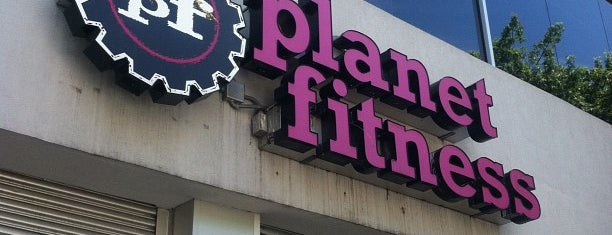 Planet Fitness is one of Locais curtidos por Jennifer.