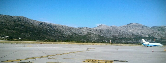 Dubrovnik Airport (DBV) is one of Alejandroさんのお気に入りスポット.