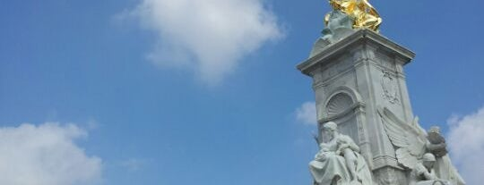 Queen Victoria Memorial is one of Tired of London, Tired of Life (Jan-Jun).