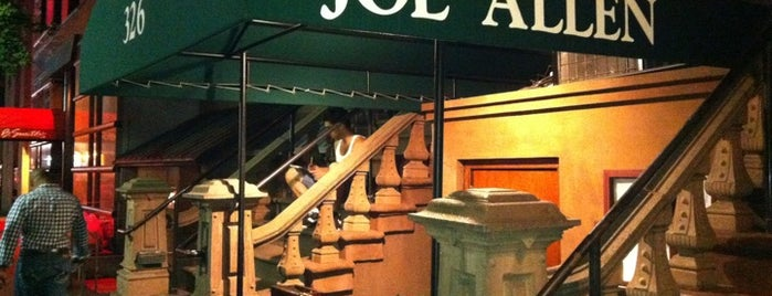 Joe Allen is one of NYC Restaurant Week Downtown.