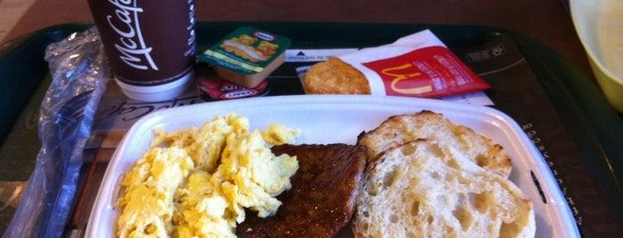 McDonald's is one of Lugares favoritos de Tom.