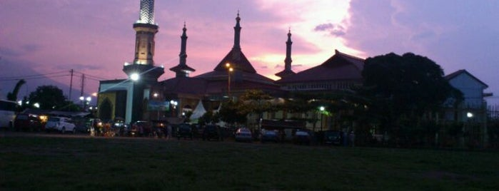 Masjid Raya At Taqwa Kota Cirebon is one of Daniさんのお気に入りスポット.