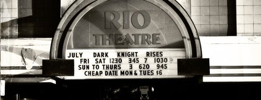 The Rio Theatre is one of Lieux qui ont plu à Gabriel.