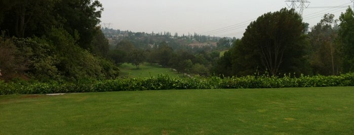 The Clubhouse at Anaheim Hills Golf Course is one of Locais curtidos por Kaitlyn.