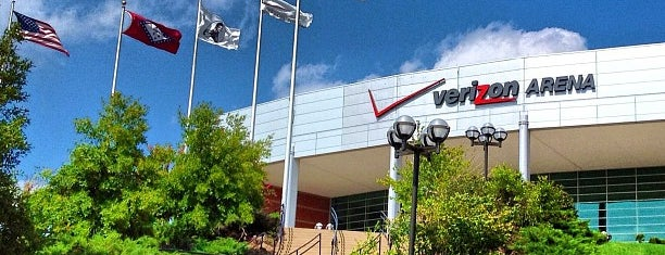 Simmons Bank Arena is one of 2014 U.S. Tour.