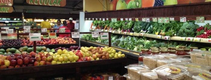 Brothers Organic Farmers' Market is one of SFL Veg*n Food.