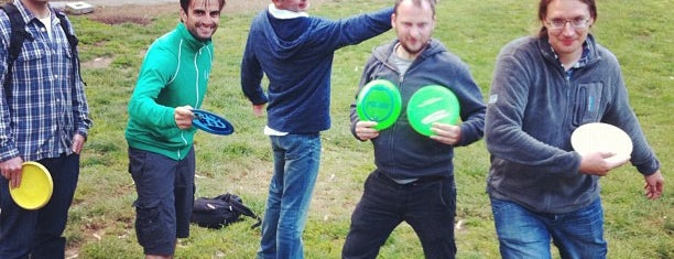 Golden Gate Park Disc Golf Course is one of Lugares favoritos de Tracy.