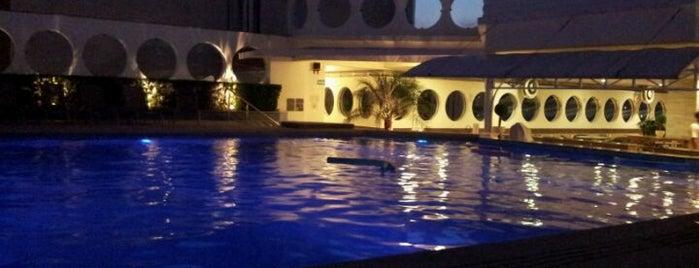 Mendes Plaza Hotel is one of Orte, die Tamires gefallen.