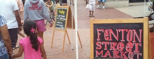 Fenton Street Market is one of Posti che sono piaciuti a Paul.