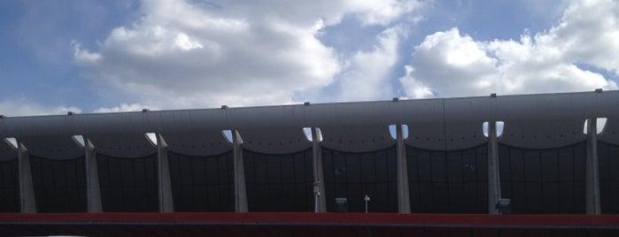 Flughafen Washington Dulles International (IAD) is one of สนามบินนานาชาติ (1).