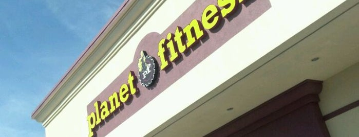 Planet Fitness is one of Locais curtidos por Mary.